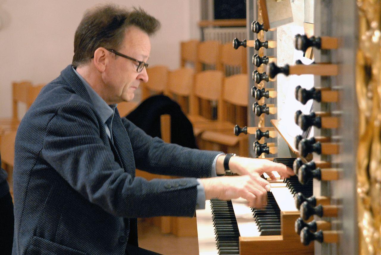 Un musicien compositeur, grand connaisseur de l'écriture pour orgue